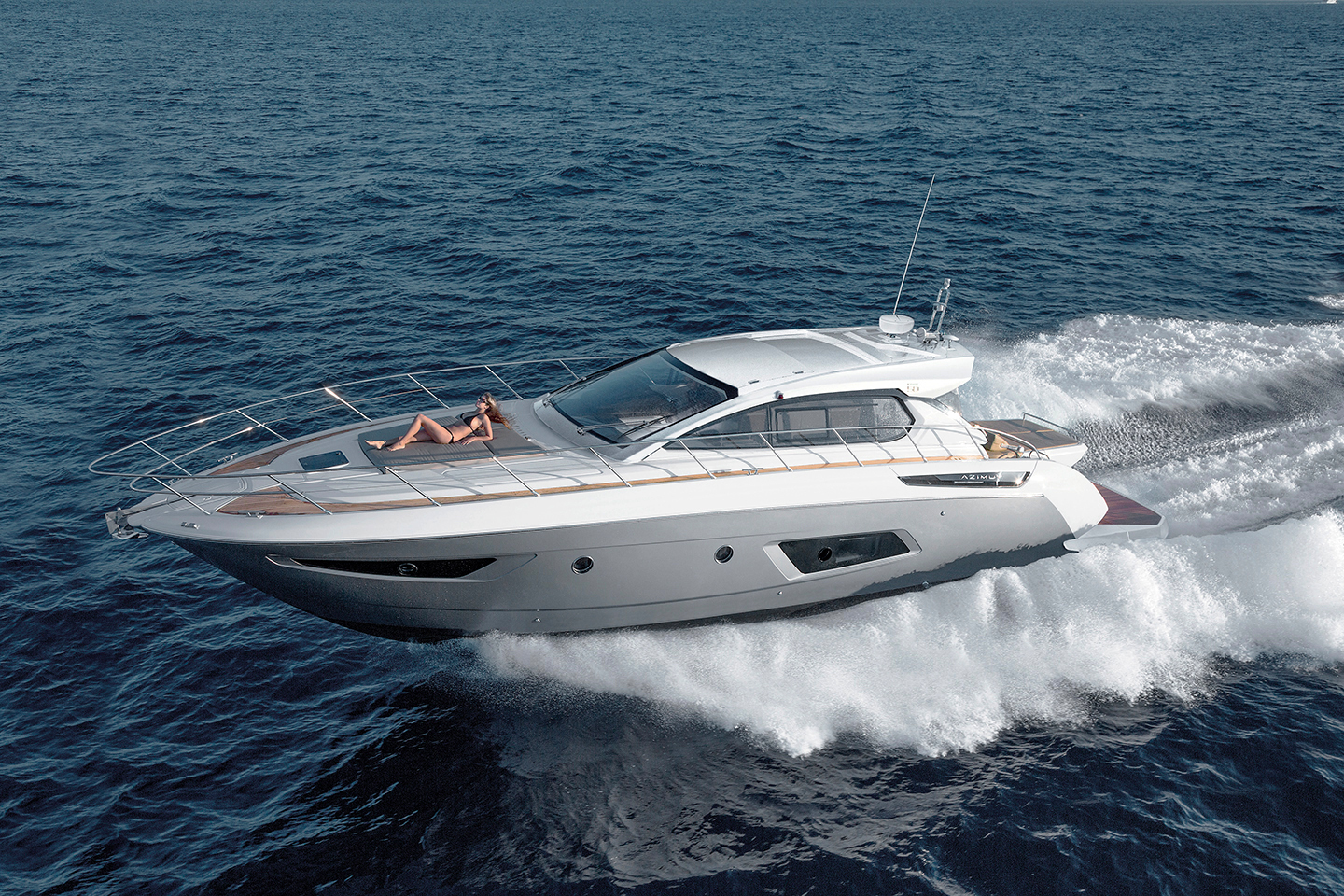 history of azimut yachts 1946 with more than 50 sailing ships at his credit, in addition to fishing boats, gunboats, barges and any other kind of boats, giovan battista codecasa retires from the business and leaves the family company, located in the darsena toscana, to his two sons, ugo and sandro.