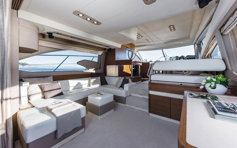 Azimut 54 azimut yachts official luxury yacht sales for Br interior designs
